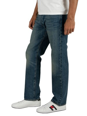 Levi's 501 Regular Fit Jeans - Hook Wash